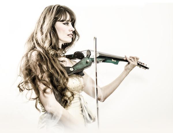 monaco violin player, monte-carlo violin player, monaco electrical violin, monte-carlo electrical violin, violin player, electrical violin, violon électrique